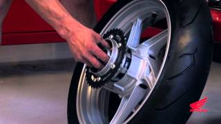 10. CBR250R Race Kit Installation: Installing the Race Wheels