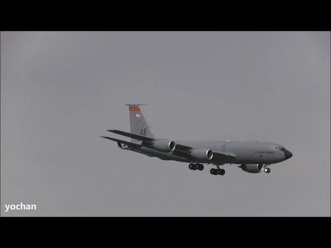 Boeing KC-135R Stratotanker (717-148)...