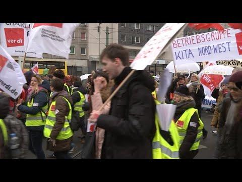 Öffentlicher Dienst: Warnstreik - Tausende protesti ...