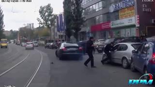 Wyjechał z kałachem na środku drogi! Gangsterzy z Porsche kontra typ z Seata!