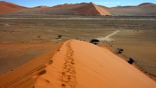 Wir entführen Dich auf eine Namibia Rundreise mit einem 4 X 4 Fahrzeug. Die Reise führte uns von Windhoek - Keetmanshoop - Fish River Canyon in den ...