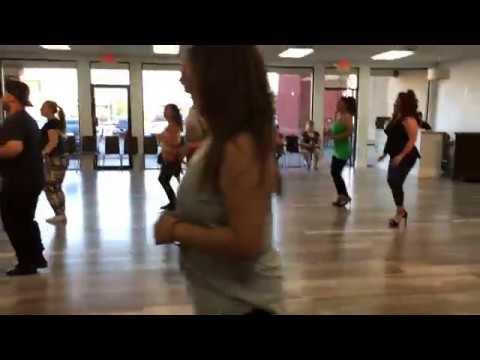 Moderno Dance Center | Bachata Lessons - Footwork