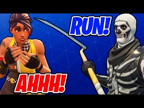 HIDE & SEEK MICHAEL MYERS ON FORTNITE WITH FRIENDS!! (FUNNY MOMENTS)