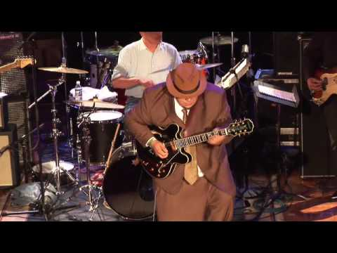 Video Gino Matteo's performance at Guitar Center's King of the Blues 2006 download in MP3, 3GP, MP4, WEBM, AVI, FLV January 2017