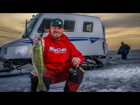 Blade baits for late-ice walleyes on Lake Winnipeg — In-Depth Outdoors TV Season  7 Episode 1