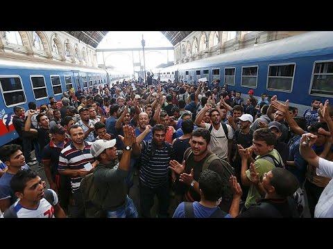 Ουγγαρία: Διαδήλωση μεταναστών έξω από τον σταθμό τρένου της Βουδαπέστης
