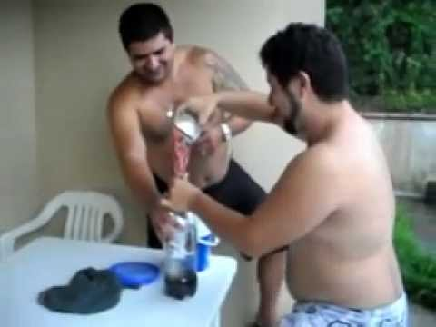 Coca Cola + cloro para piscina
