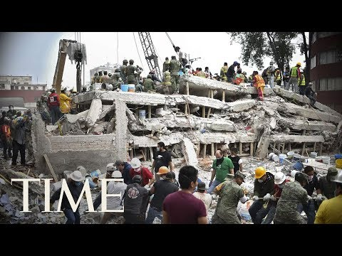 Mexico Earthquake Rescue Efforts: Rescuers Try To Save A Girl Trapped Under School's Rubble | TIME