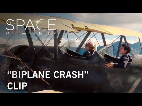 The Space Between Us (Clip 'Biplane Crash')