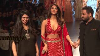 Vaani Kapoor Walk Ramp For Paras & Sonam Modi At LFW Winter Festive 2017SUBSCRIBE to Bollywood Tehelka Now ► https://goo.gl/0wjaflLIKE - COMMENT - SHARESubscribe and Stay Connected ;) Bollywood Tehelka brings you the latest news in #Bollywood #Fashion #Style #Beauty. From Gossips, to link ups to the latest trailers, songs, movie reviews. Bollywood provides a complete Bollywood Entertainment. We have a vast array of a multitude of videos of Bollywood Actress, Page 3 events, preview, reviews of Upcoming Bollywood Films and a host of other spicy videos which definitely will grab your eyeballs.Follow us on Google+ http://bit.ly/GooglePlus-Bollywood-TehelkaAlso Checkout :Bollywood Hardcore - https://goo.gl/3SkugOBollywood Ka Thullu - http://goo.gl/0bfRi8FWF News Updates - http://goo.gl/cVKxdWBollywood Fatafat - http://goo.gl/ODxAiaAll India Bindass - http://goo.gl/B896hPONLY MMS - http://goo.gl/xah9vuHollywood Tehelka - http://goo.gl/nahSHqBFN - http://goo.gl/wvE32PBollywood Masti No.1 - http://goo.gl/qK01vA