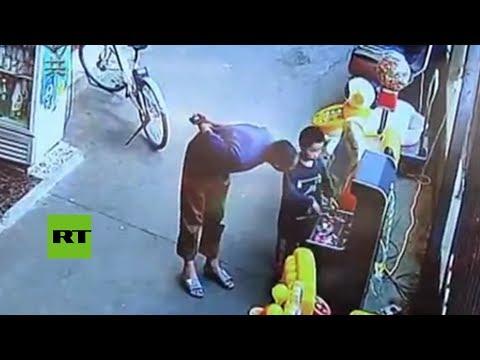 Captan el secuestro de un niño a solo 10 metros de su padre en China