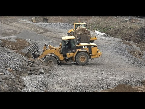 Caterpillar 972g Wheel Loader Vs Volvo Truck-volvo 210b Excavator-caterpillar 324d Excavator