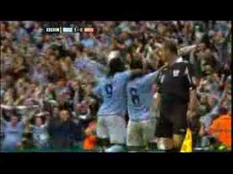 Geovanni marca en el Derby de Manchester