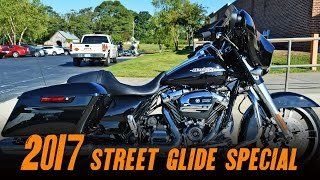 4. 2017 Harley-Davidson® FLHXS - Street Glide® Special VIVID BLACK