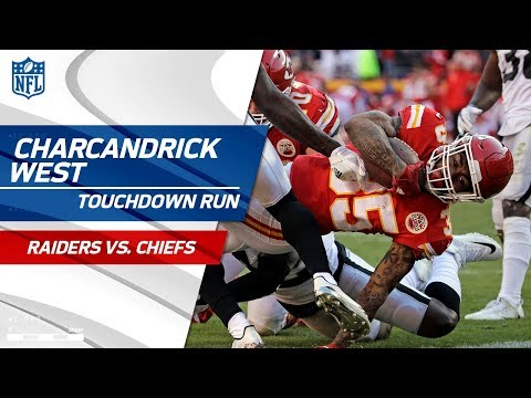 Video: Hunt's Huge Runs Set Up West's Tackle-Breaking TD Dive! | Raiders vs. Chiefs | NFL Wk 14 Highlights