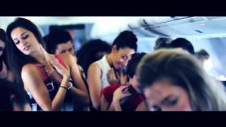 Kanye West vídeo clip Runaway (Ballet Dancers Stage A Flash Mob On A Plane)