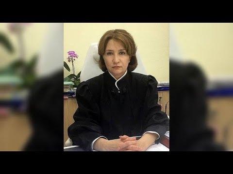 Елена Хахалева пошла ко дну. Расследование о системе, выстроенной золотой судьей.