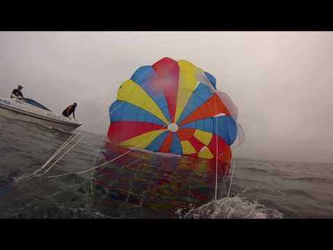 видео парашют за лодкой