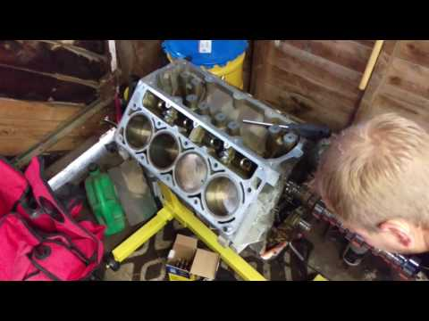 How to install a camshaft. LS6 cam into a LS4 engine.