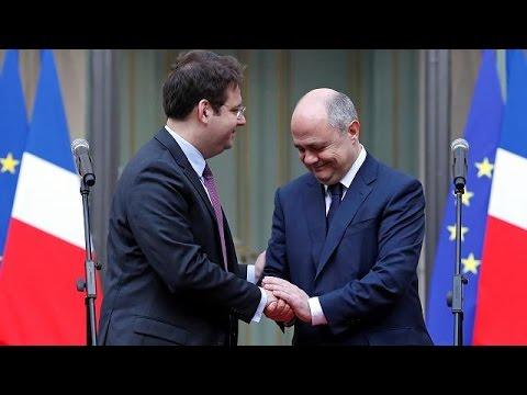 Γαλλία: Αντικαταστάθηκε ο υπουργός που «αμάρτησε» για τα παιδιά του