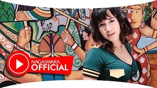 Video Uut Selly - Cinta Sepabrik - Official Music Video - NAGASWARA MP3, 3GP, MP4, WEBM, AVI, FLV April 2018