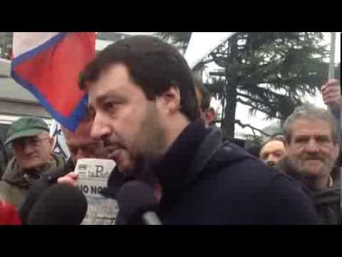 Matteo Salvini al casello di Gallarate