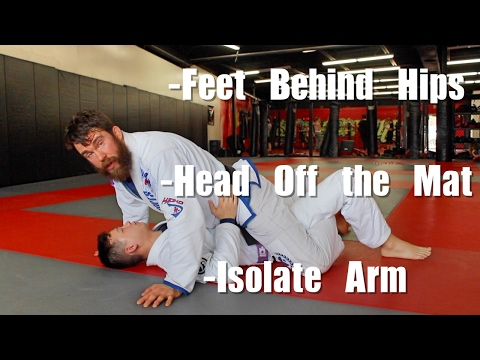 3 Quick Positional Tweaks to Hold Mount in BJJ (видео)