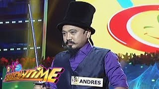 Video It's Showtime Funny One: Anthony Andres performs Dangerous Card Magic Tricks MP3, 3GP, MP4, WEBM, AVI, FLV Juli 2018