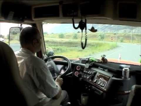 Грузовики Test Drive Volvo VT880 I Shift with low step 3 axels semitrailer