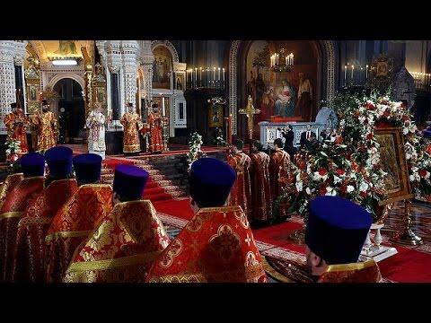 «Χριστός Ανέστη» για εκατομμύρια Ορθόδοξους ανά τον κόσμο