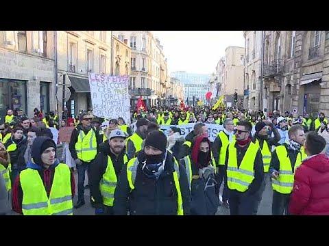 Γαλλία: Διάλογος εν αναμονή των κίτρινων γιλέκων