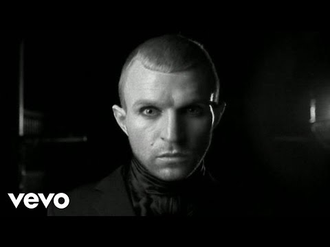 Jay-Jay Johanson - So Tell The Girls That I Am Back In Town