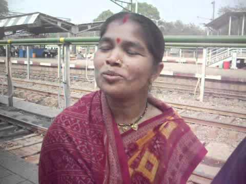 Video Kirtan singers from Sripura village going to Surat of Gujarat. download in MP3, 3GP, MP4, WEBM, AVI, FLV January 2017