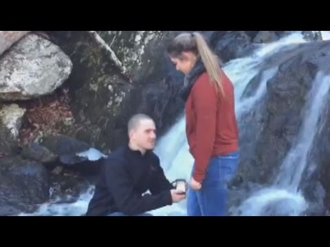 Proposal Fail: Engagement Ring Falls Into Water, Ruining Picturesque Moment