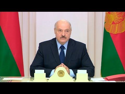 Лукашенко ответил на критику в СМИ и интернете