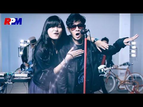Kacamata - Entah (Official Music Video)
