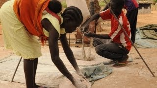 12 April 2012: UNICEF correspondent Kun Li reports on UNICEF's efforts to treat malnutrition in the newly formed nation of South Sudan. For more information,...