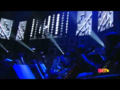 Video R. Kelly - When A Woman Loves Medley (Live @ Soul Train Awards) download in MP3, 3GP, MP4, WEBM, AVI, FLV January 2017