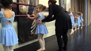 Cours de ballet classique (pré ballet)