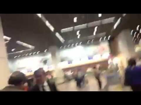"""Cássio é hostilizado em aeroporto: """"golpista, cassado…"""""""