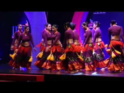 Video Meher Malik - Banjara School of Dance (Friday night) @ India Fiesta Latina 2013 download in MP3, 3GP, MP4, WEBM, AVI, FLV January 2017
