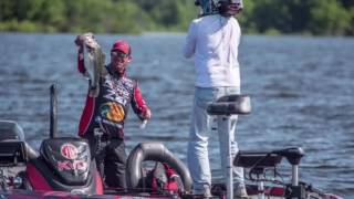 KVD starts out on day 3 - Toledo Bend