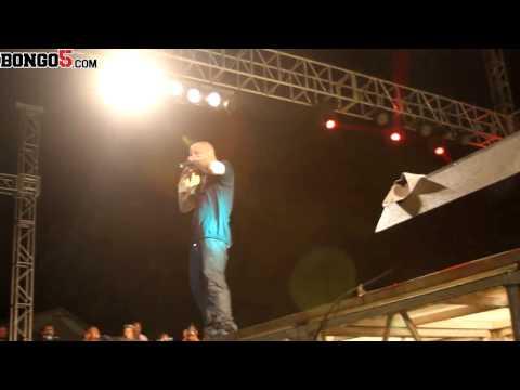 PERFORMING - Watch American rapper T.I. performing at Serengeti Fiesta Festival in Dar.