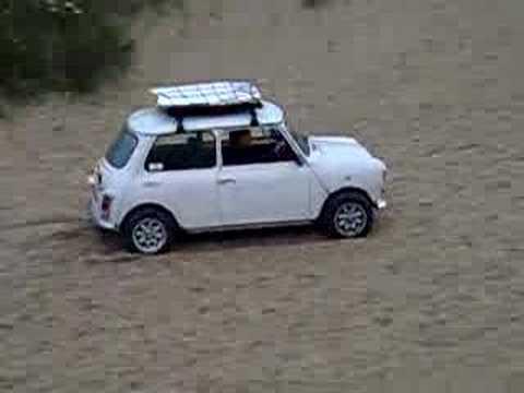 mini on beach (видео)