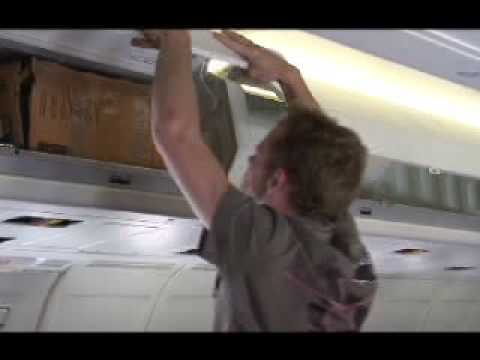 airplane luggage problem