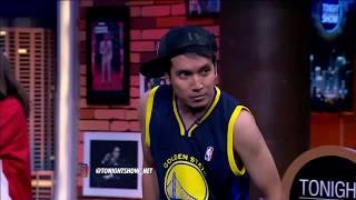 Video Gokil Desta Unjuk Gigi Bermain Basket Dengan Maria Selena MP3, 3GP, MP4, WEBM, AVI, FLV Desember 2017