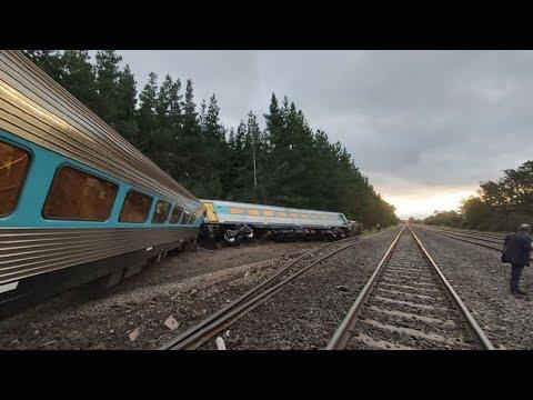 Video - Τραγωδία στην Αυστραλία: Δύο νεκροί από εκτροχιασμό τρένου (pics+vid)