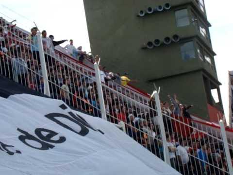 La Banda en Banfield www.locosporelglobo.com.ar - La Banda de la Quema - Huracán