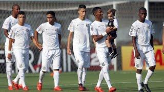 Confira os bastidores de Santos 1 x 2 Cruzeiro, pelo primeiro jogo das oitavas de final da Copa do Brasil Sub-17 2015! ** Baixe o app oficial da Santos TV: ...