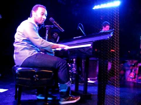 "John Legend & The Roots ""Ordinary People"" LIVE at Troubadour"